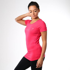 Gymshark Size Guide Women's Tops - Model